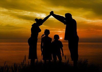 family-1466262_640-min
